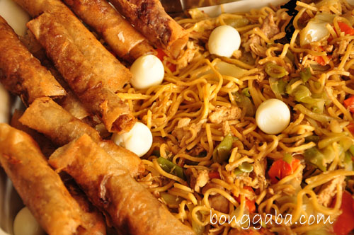 pancit canton2 How to Cook Pancit Canton: Perfect Dish for Birthdays