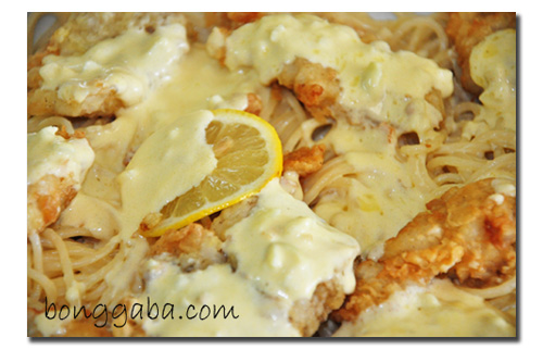Lemon Dory on cheesy garlic cream sauce pasta Cream Dory on Cheesy Garlic Cream Sauce Pasta Recipe